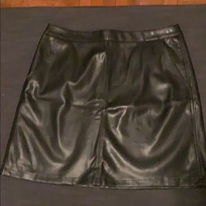Loft black leather skirt with pockets
